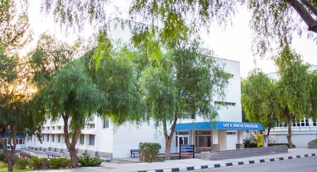 Faculty of Business & Economics and School of Applied Sciences