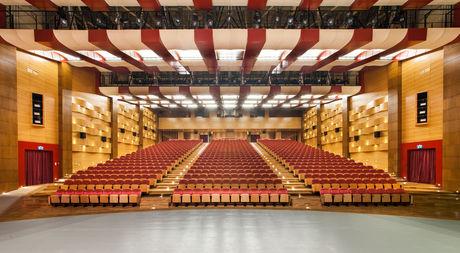 Büyük Tiyatro ve Gösteri Salonu